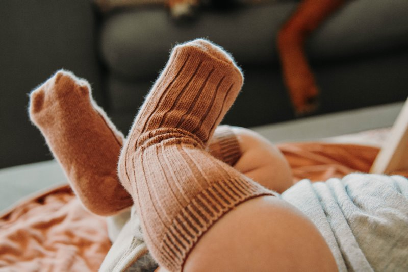braune Socken Baby